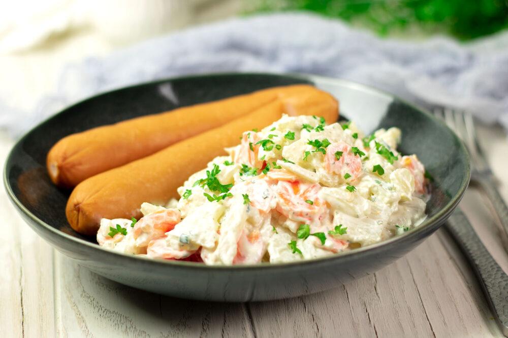 Der Kohlrabi-Karotten-Salat ist lecker und eine Alternative zum Grillen!