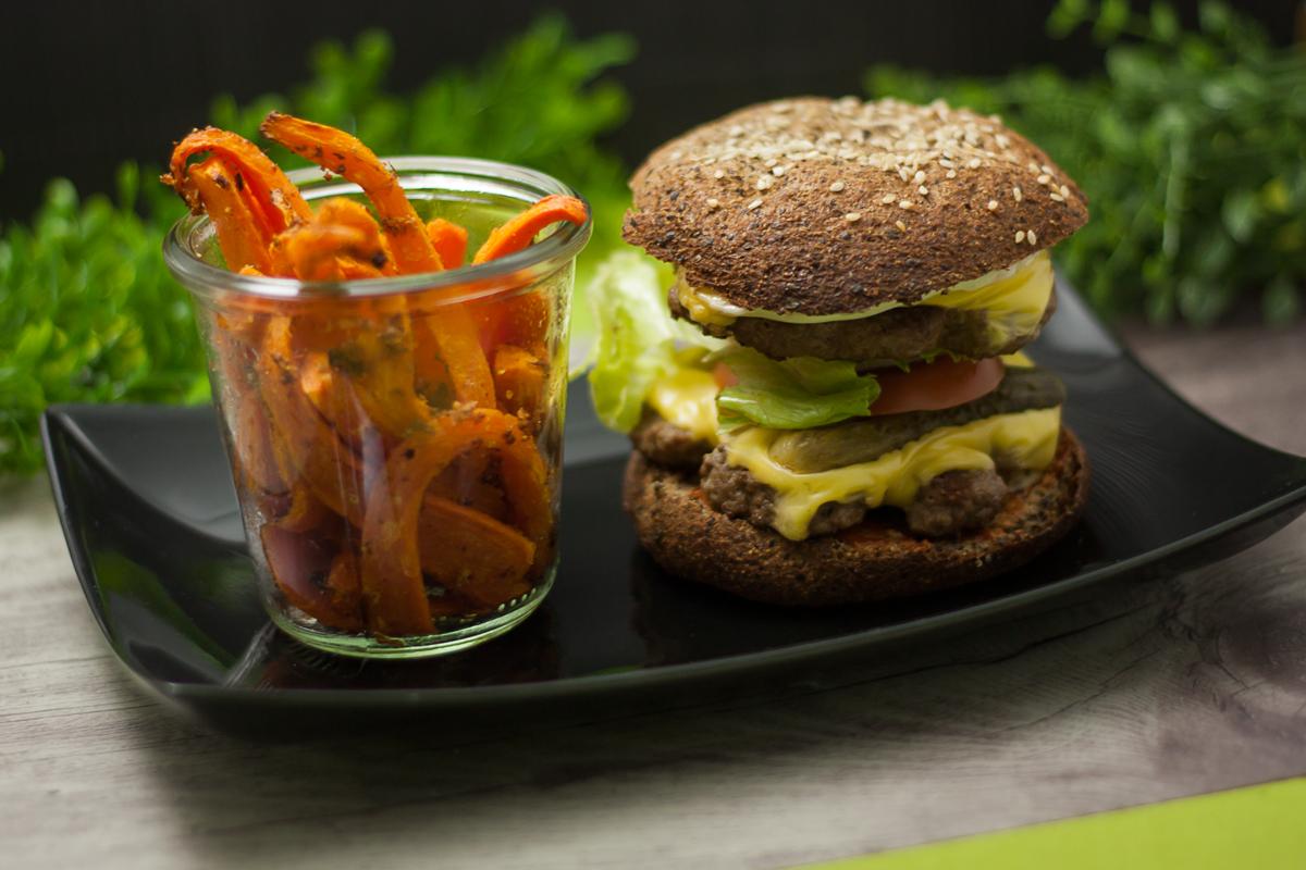 Der Double-Cheeseburger ist ein Klassiker. Diese Version ist Low Carb.