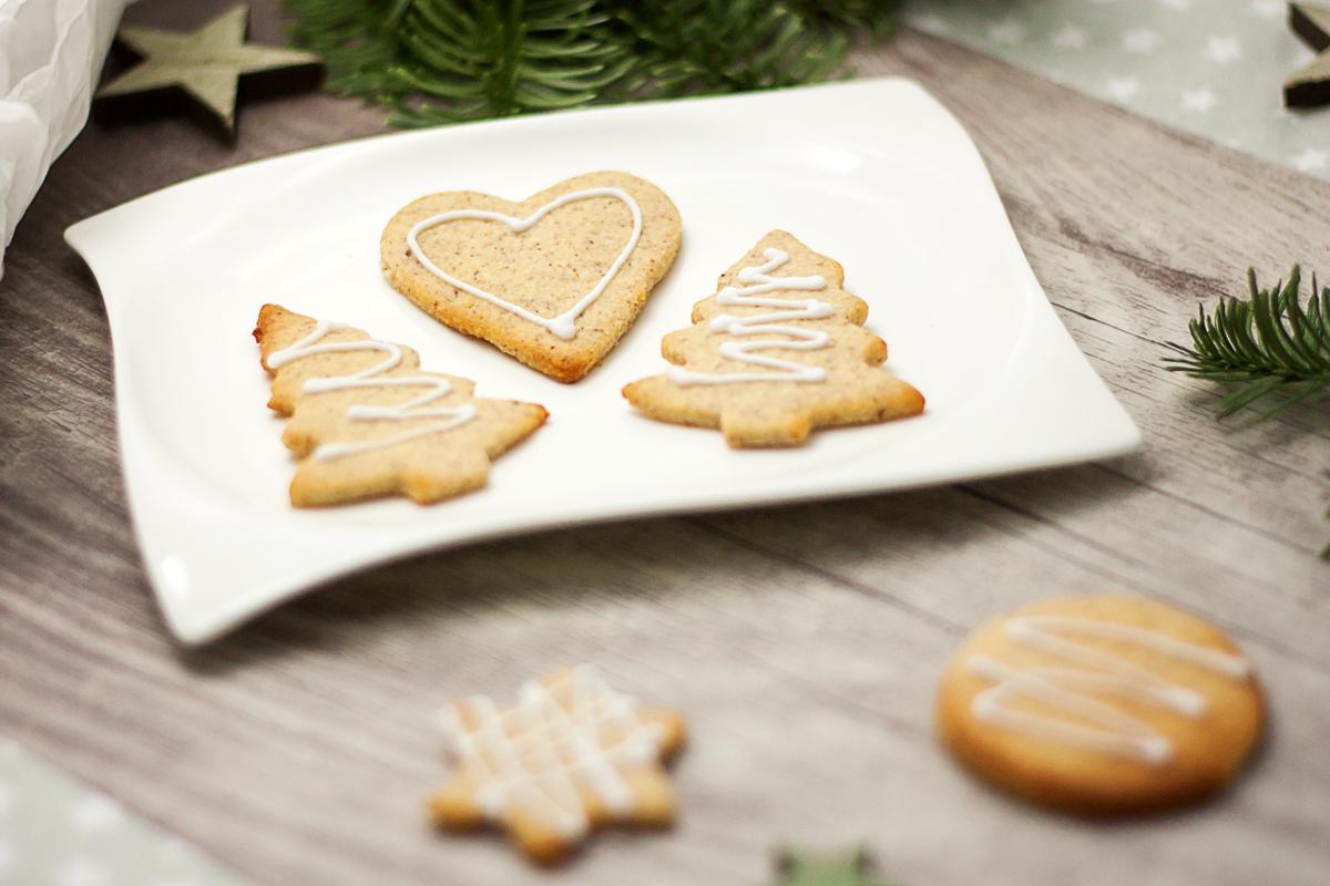 Die Low Carb Butterplätzchen sind Low Carb und super einfach zu backen. Sie passen perfekt zur Weihnachtszeit.