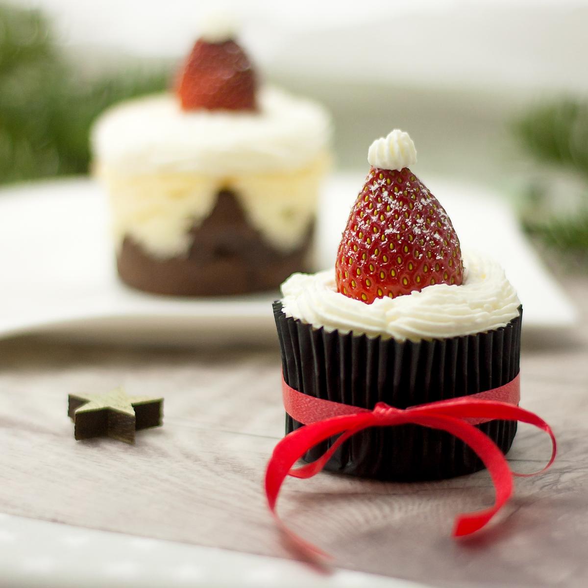 Weihnachtliche Low Carb Käsekuchen-Brownies