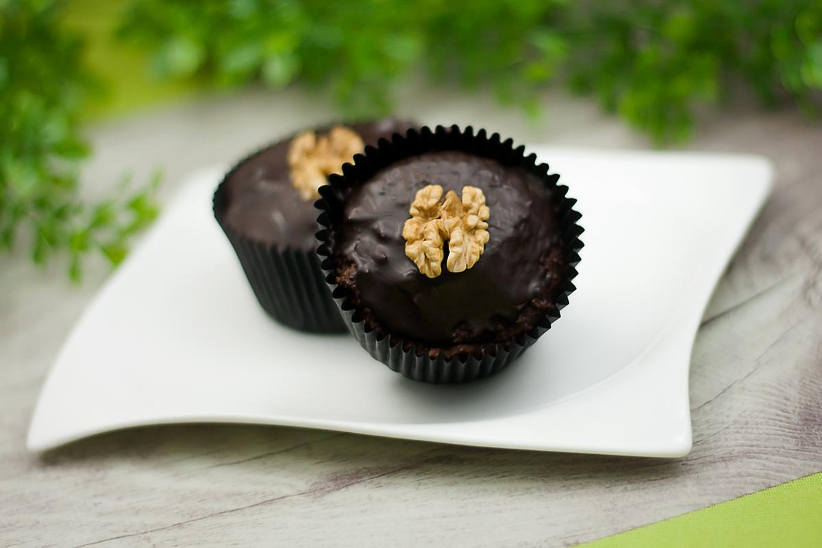 Die Walnuss-Kokos-Muffins sind vegan und Low Carb.