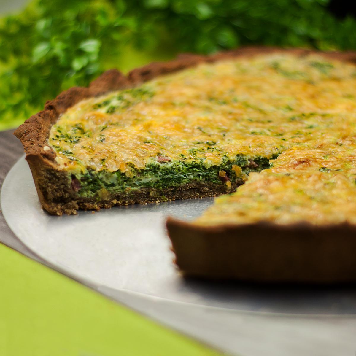 Die deftige Spinat-Quiche ist lecker und Low Carb.