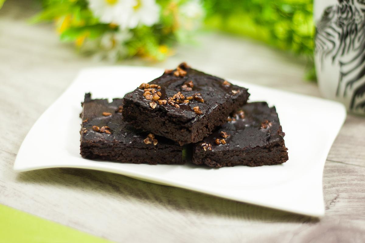 Die veganen Kaffee-Brownies sind lecker Low Carb und glutenfrei.
