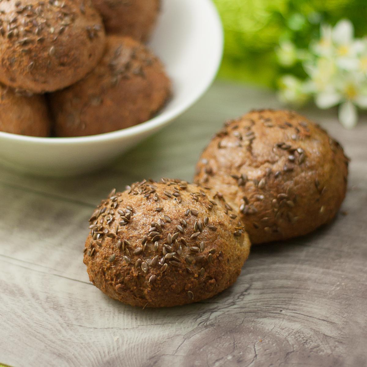 Leinsamenbrötchen sind Low Carb, glutenfrei und super lecker.