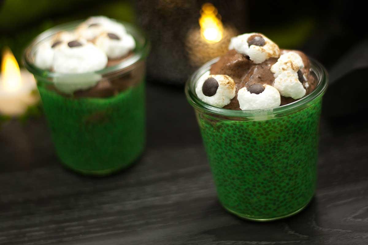 Das Halloween-Dessert ist Low Carb und glutenfrei und sieht auch noch gruselig aus.