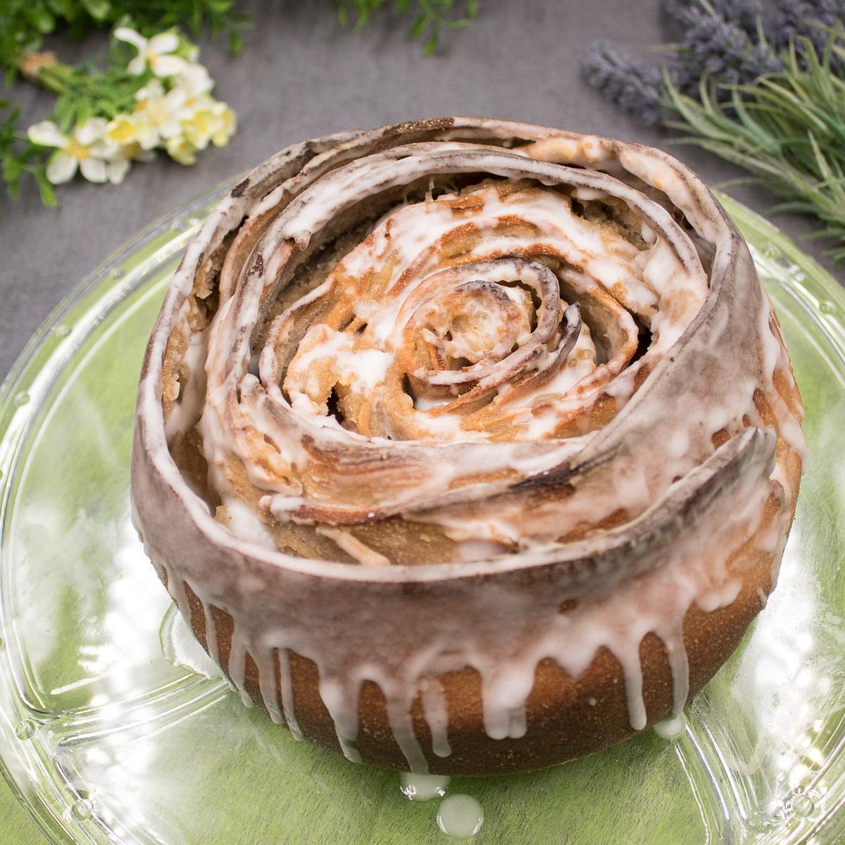 Die Birnen-Rose ist ein leckerer Kuchen ohne Zucker, ohne Mehl und ohne Gluten!