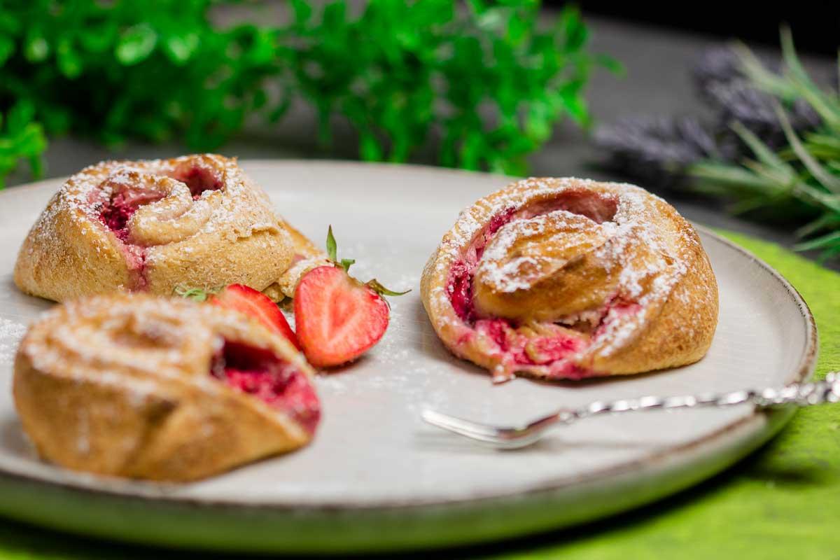 Erdbeer-Puddingschnecken