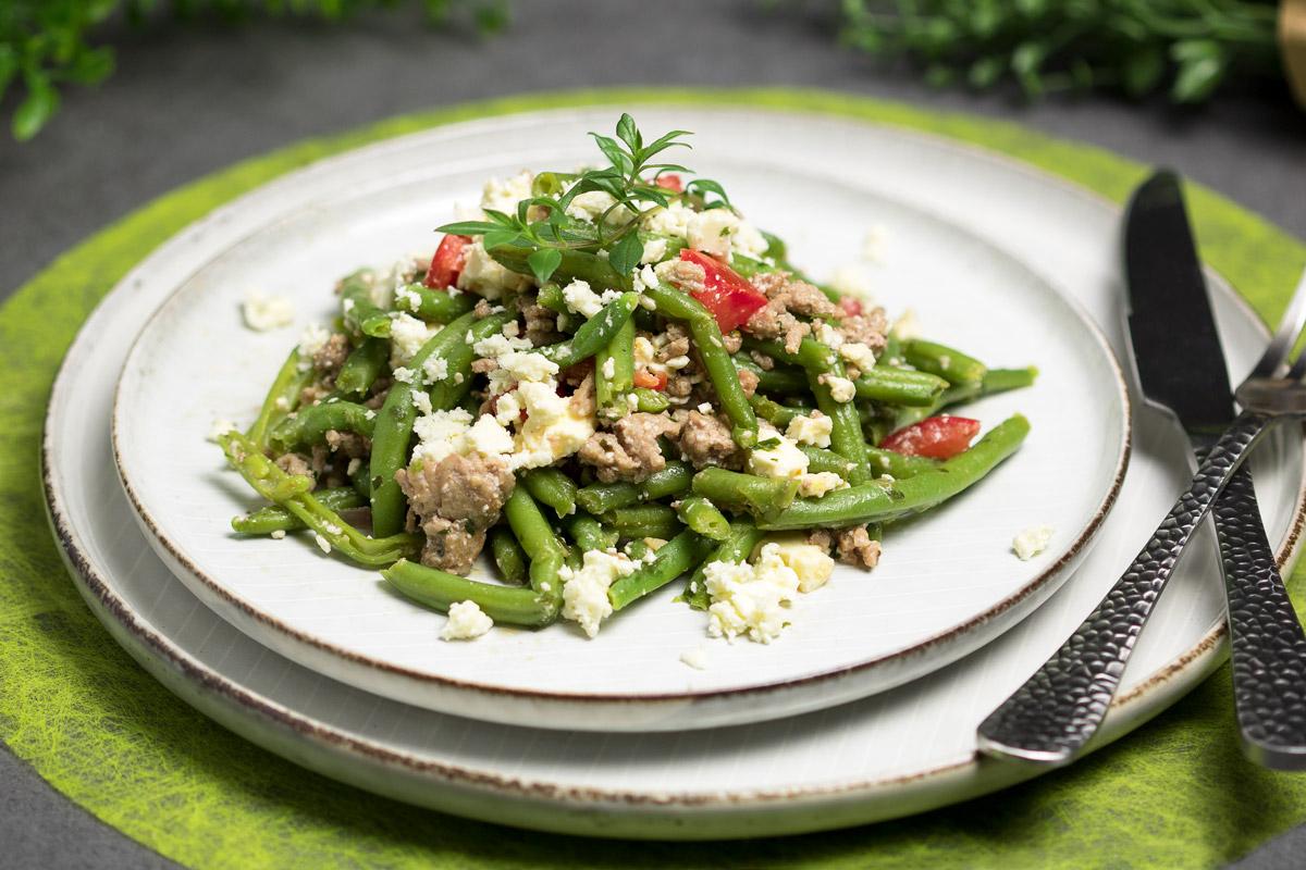Der Grüne-Bohnen-Salat ist ein leckerer Low Carb Salat. Das Rezept ist zudem glutenfrei und zuckerfrei.