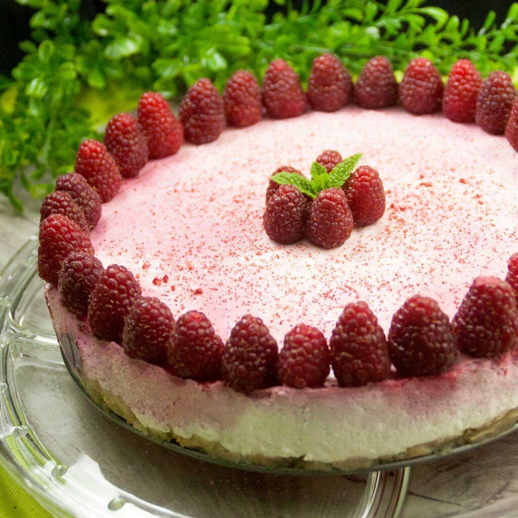 Himbeer-Frischkäse-Kuchen ist ein leckerer Low Carb Kuchen.