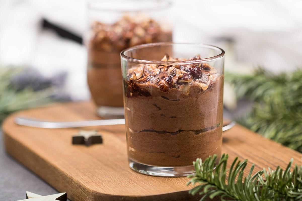 Die Rocher-Creme ist ein leckeres Low Carb Dessert ganz ohne Zucker und ohne Mehl.
