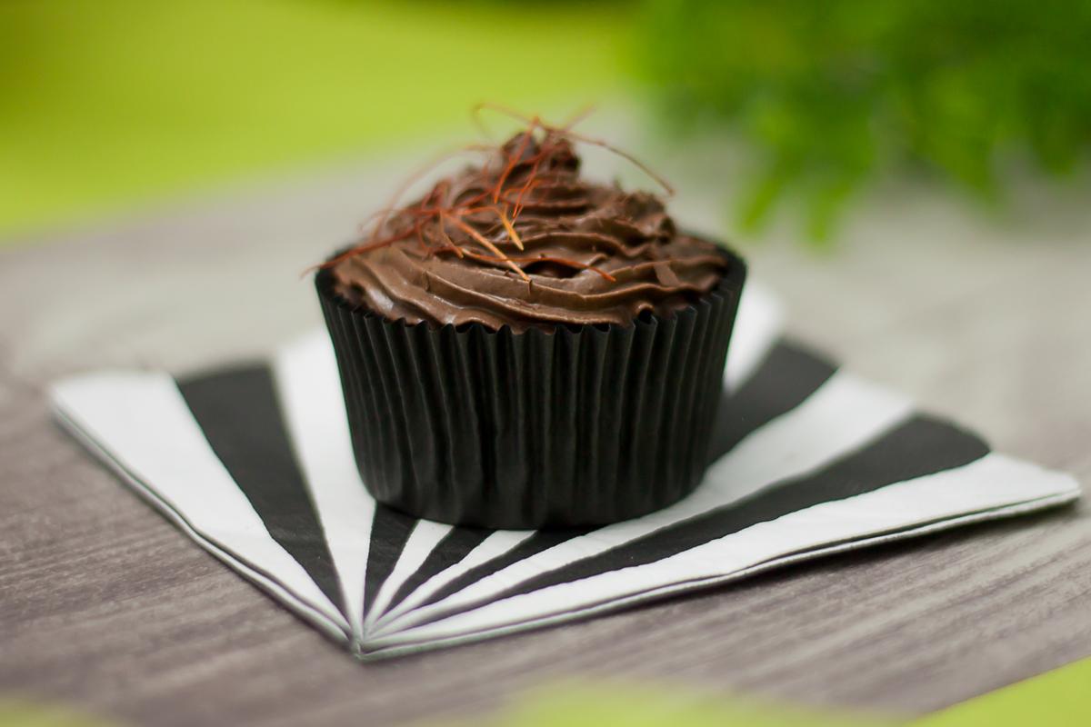 Der Schoko-Chili-Cupcake ist Low Carb, glutenfrei und super lecker!