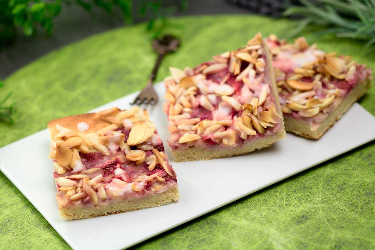 Der Erdbeer-Mandelkuchen ist ein leckerer Low Carb Kuchen für den Frühling!