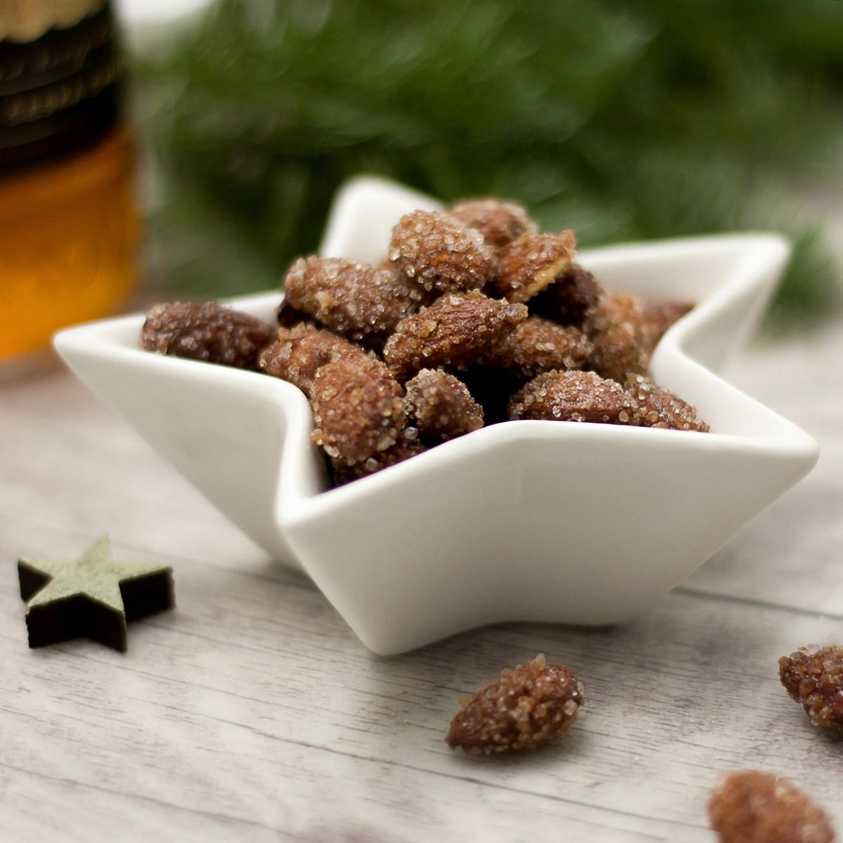 Die gebrannten Rummandeln sind lecker Low Carb und glutenfrei. Sie schmecken am Besten zur Weihnachtsmarkt oder auf dem Adventsmarkt.