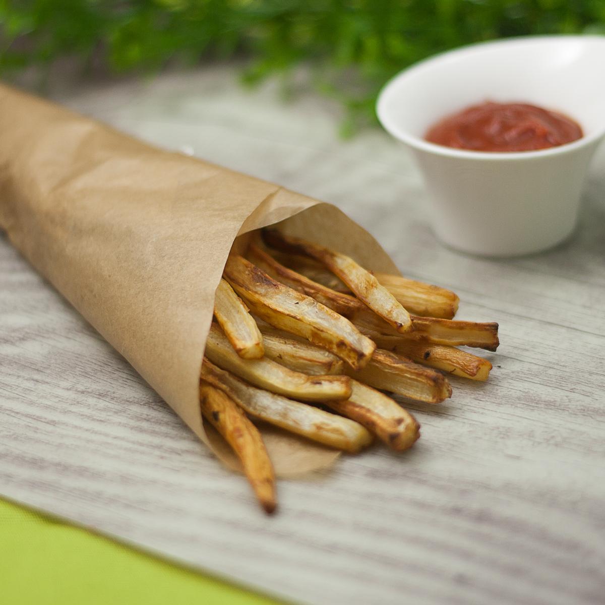 Die Schwarzwurzel-Pommes sind eine leckere Low Carb Alternative zu den Standard Fritten.