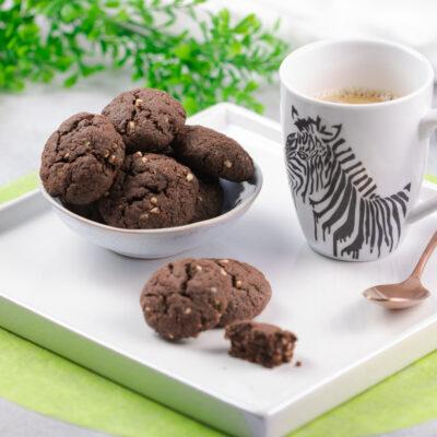 Die Haselnuss-Cookies sind lecker Low Carb und glutenfrei. Sie sind einfach zu backen und schmecken großartig.