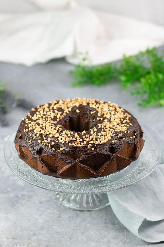 Der Schoko-Haselnuss-Kuchen ist Low Carb, glutenfrei und zuckerfrei.