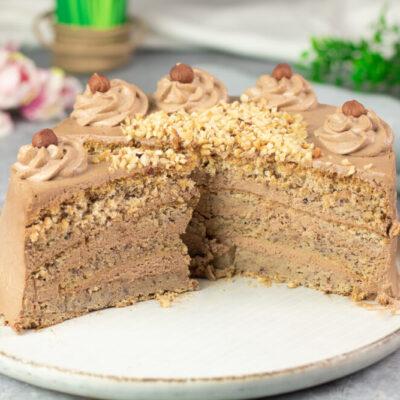 Diese Haselnuss-Torte ist lecker und ohne Kohlenhydrate.