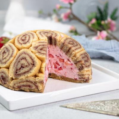 Die Erdbeer-Charlotte ist ein leckerer Kuchen mit wenig Kohlenhydraten!