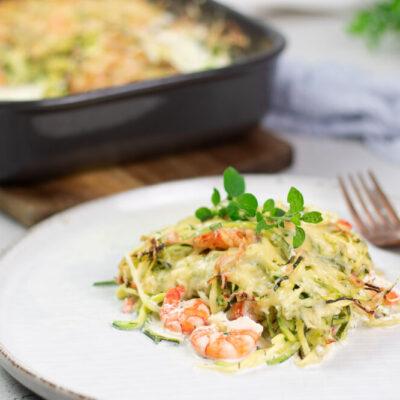 Der Zucchini-Auflauf mit Garnelen ist lecker, Low Carb und einfach gekocht.