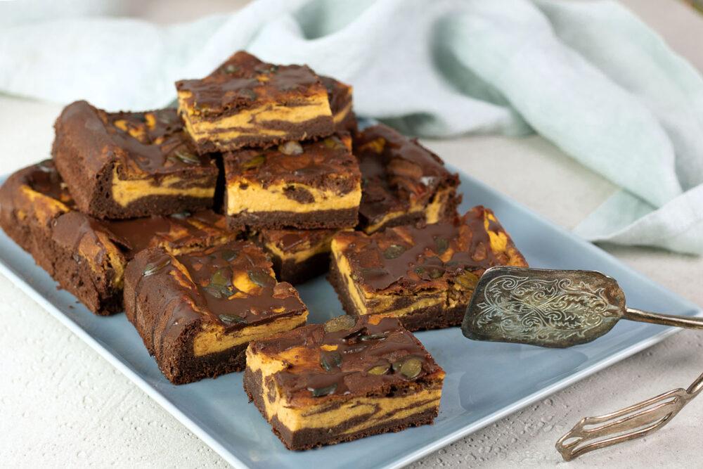 Herbstliche Kürbis-Brownies ohne Zucker