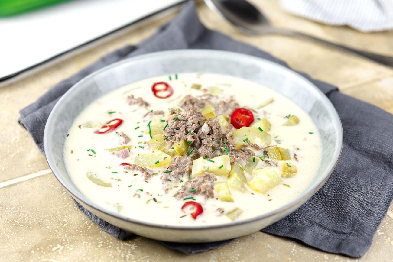 Super leckere Hackfleisch-Gurken-Suppe