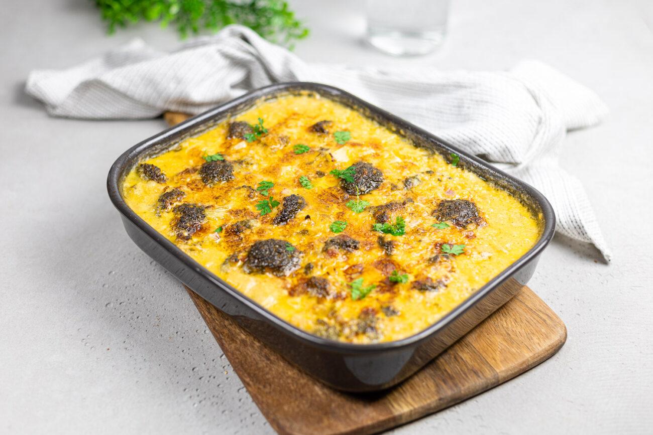 Low Carb Brokkoli-Reis-Auflauf mit Cheddar-Sauce